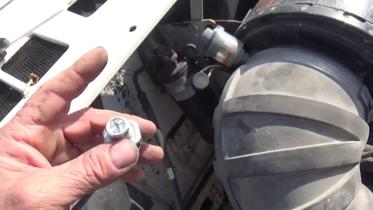 How to find and replace the A/C high pressure switch on a big truck