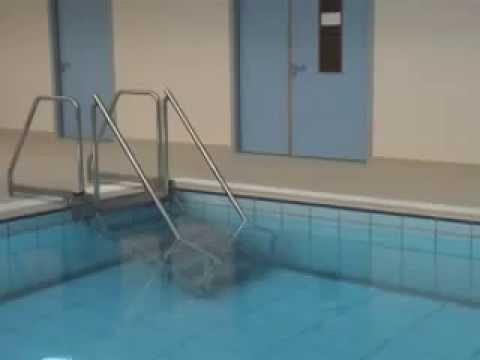 Специальная лестница для бассейнов с системой регулировки глубины (EWAC Medical)
