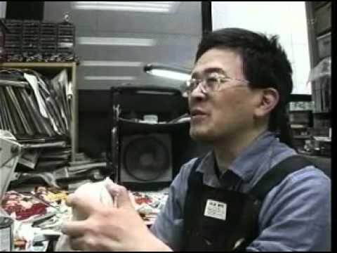 Master sculptor Bome sculpting Murakami masterpiece