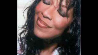 Watch Natalie Cole Calling You video
