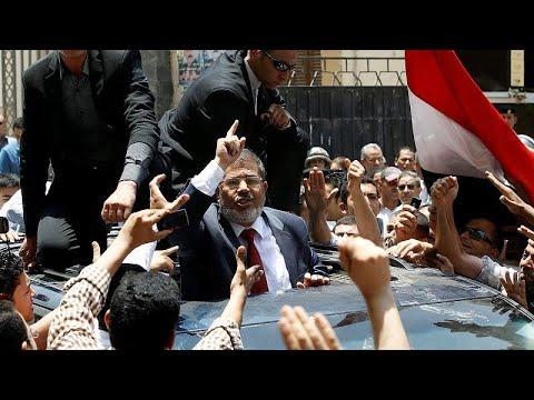 فيديو: ردود فعل المصريين بشأن وفاة رئيس البلاد السابق محمد مرسي…  - نشر قبل 2 ساعة