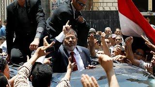 فيديو: ردود فعل المصريين بشأن وفاة رئيس البلاد السابق محمد مرسي…