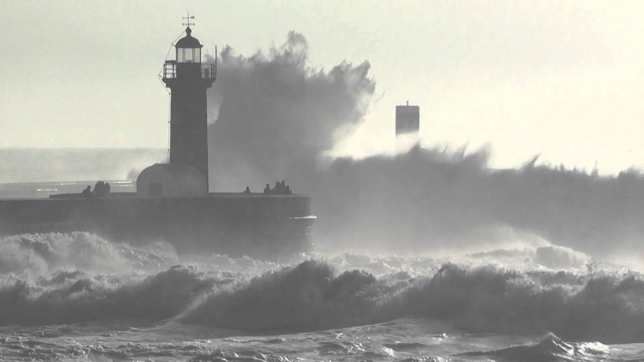 Resultado de imagem para mar revolto