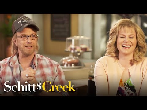 'Schitt's Creek' Stars Test How Well They Know Each Other