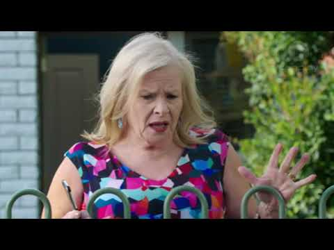 Gary Cleaning The Spa | Neighbours [2018]