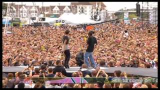 [HD] Tinchy Stryder feat. Amelle (Sugababes) - Never Leave You (Live at T4 on the Beach)