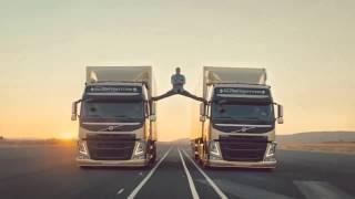 Жан Клод Ван Дамм реклама Volvo Trucks | Шпагат в движении!