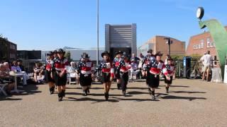 opvisning 4 under uret, Linedance til Ballerup Musikfest