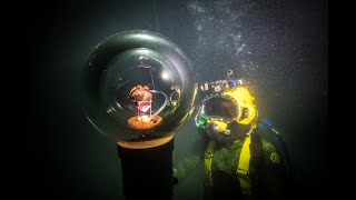 Deep Sea Divers make a heart beat underwater.