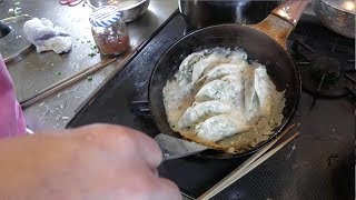 幸運な病のレシピ( 657 )朝:パテから作った餃子(パリッと餃子)、鮭、味噌汁 thumbnail