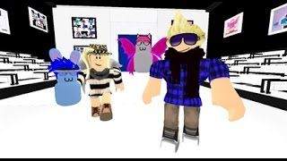 ROBLOX: Roblox Top Model (Music Comes From In The Game)