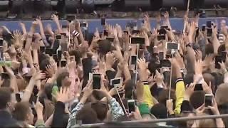 Рэпер Мот насцене VKFest2017— прямая трансляция изПетербурга