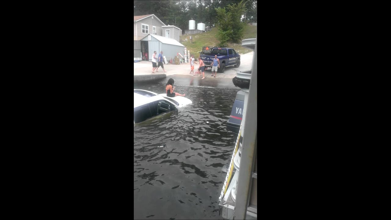 Lake of the Ozarks boat launch fail  YouTube
