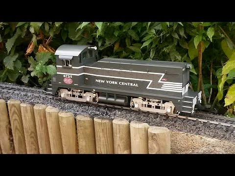 USA Trains G scale NYC NW2 test run – garden railroad