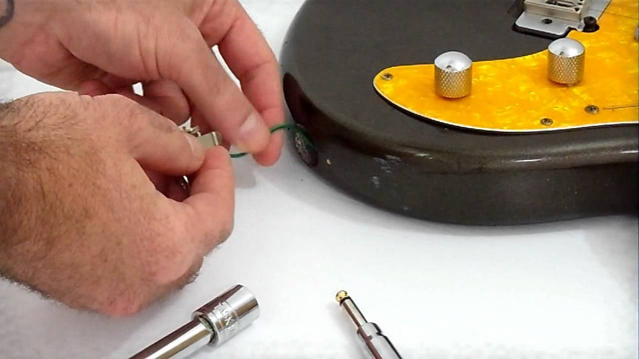 fixing a loose input guitar jack and keeping them clean [ 1280 x 720 Pixel ]