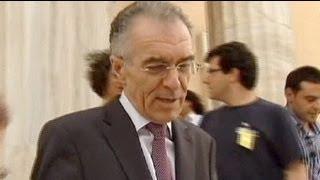 وزير المالية اليوناني الجديد يستقيل من منصبه