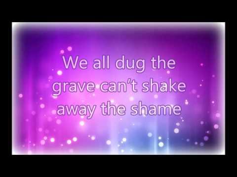 Outside Hollywood Undead lyrics