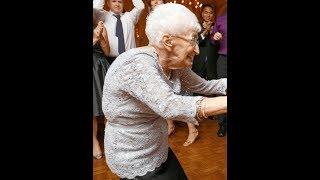Эта 85-летняя бабушка изменила свое тело. От увиденного мне стало не по себе…