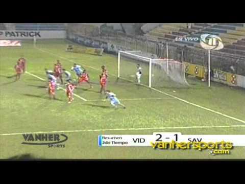 Portero Junior Morales anota gol de ultimo minuto Vida vs Deportes Savio
