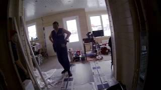 Супер мастера по установке дверей.  Откровенное видео.