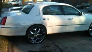 """Lincoln towncar on 26"""" rims"""