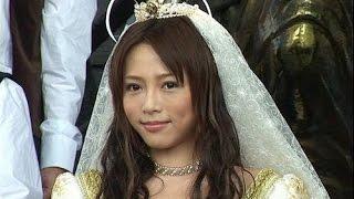 釈由美子、結婚報道には笑顔で無言 右手薬指に指輪 デイリースポーツ 6...