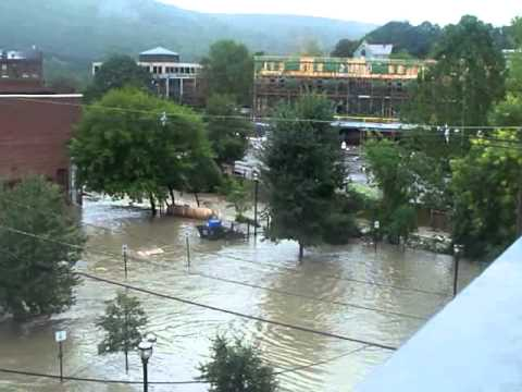brattleboro vermont aug 28  2011 hurricane irene flood on flat st.