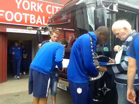 Swfc players getting on bus at york