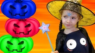 Ulyana Playing With Funny Halloween Pumpkin. Finger family songs, video for children