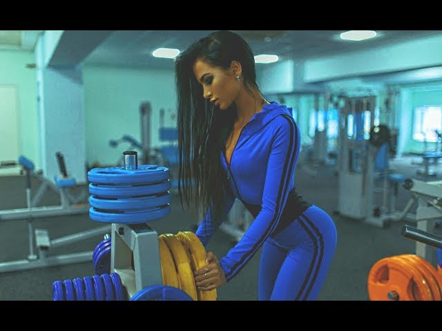 EPIC GIRLS TRAINING IN GYM (WOMAN WORKOUT COMPILATION) Female Fitness Motivation HD