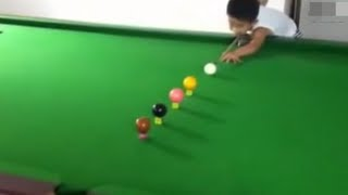 Niño de 3 años Prodigio Del Billar