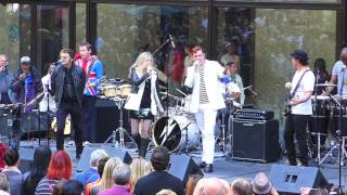 Sons of the Silent Age at Daley Plaza: Under Pressure