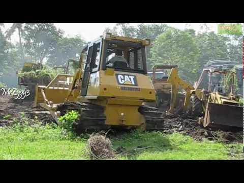 CAT D6G2 XL Pushing Abandoned Excavator And Backhoe