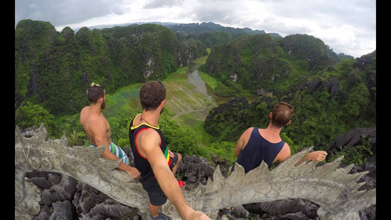 BACKPACKING VIETNAM: Part 4 – Phong Nha & Ninh Binh | Vlog 15