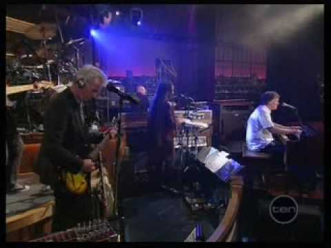 Steve Winwood  Gimme Some Lovin Letterman Show  22  july 2010