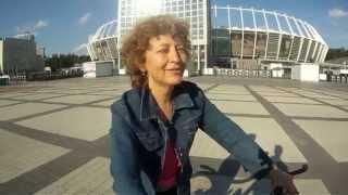 Уроки езды на велосипеде. Тамара.