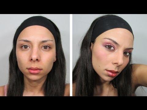 Maquillaje En Tono Palo De Rosa