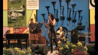 Angelica Matveeva sings Clifford Brown solo on Joy spring