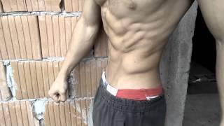 6 Pack ABS Flexing (Stefan Rastovac)