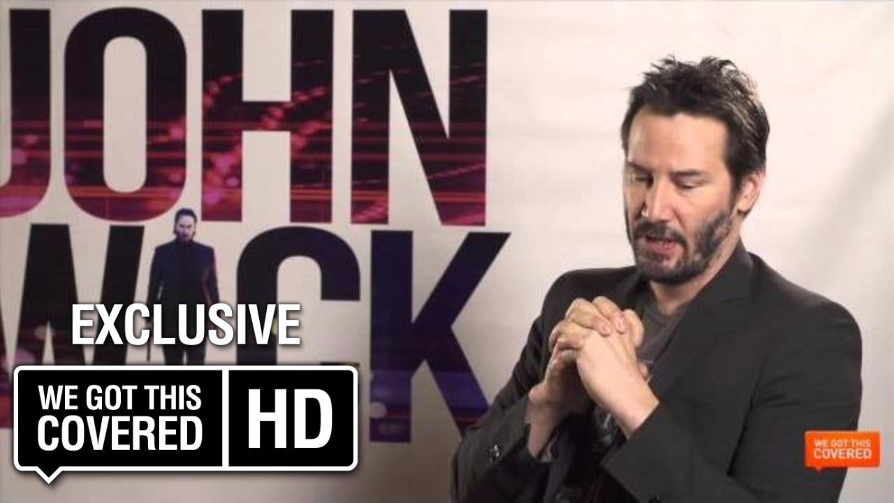 Keanu Reeves nem hagyja abba a dohányzást