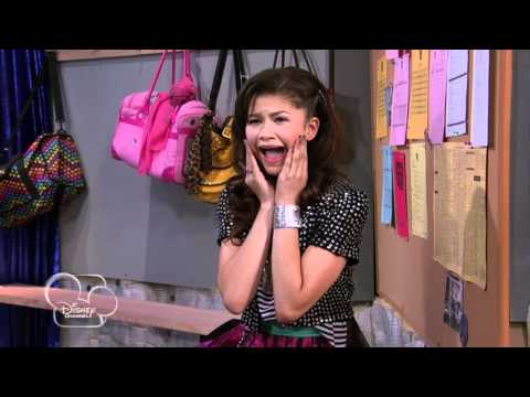 """Shake it Up - """"Review It Up"""" (Season Two, Episode Six)"""