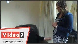بالفيديو.. رانيا علوانى تداعب مريضة بمستشفى بهية