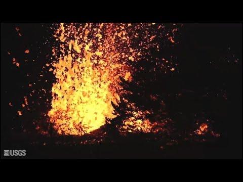 حمم بركانية تتدفق من بركان كيلاويا في هاواي