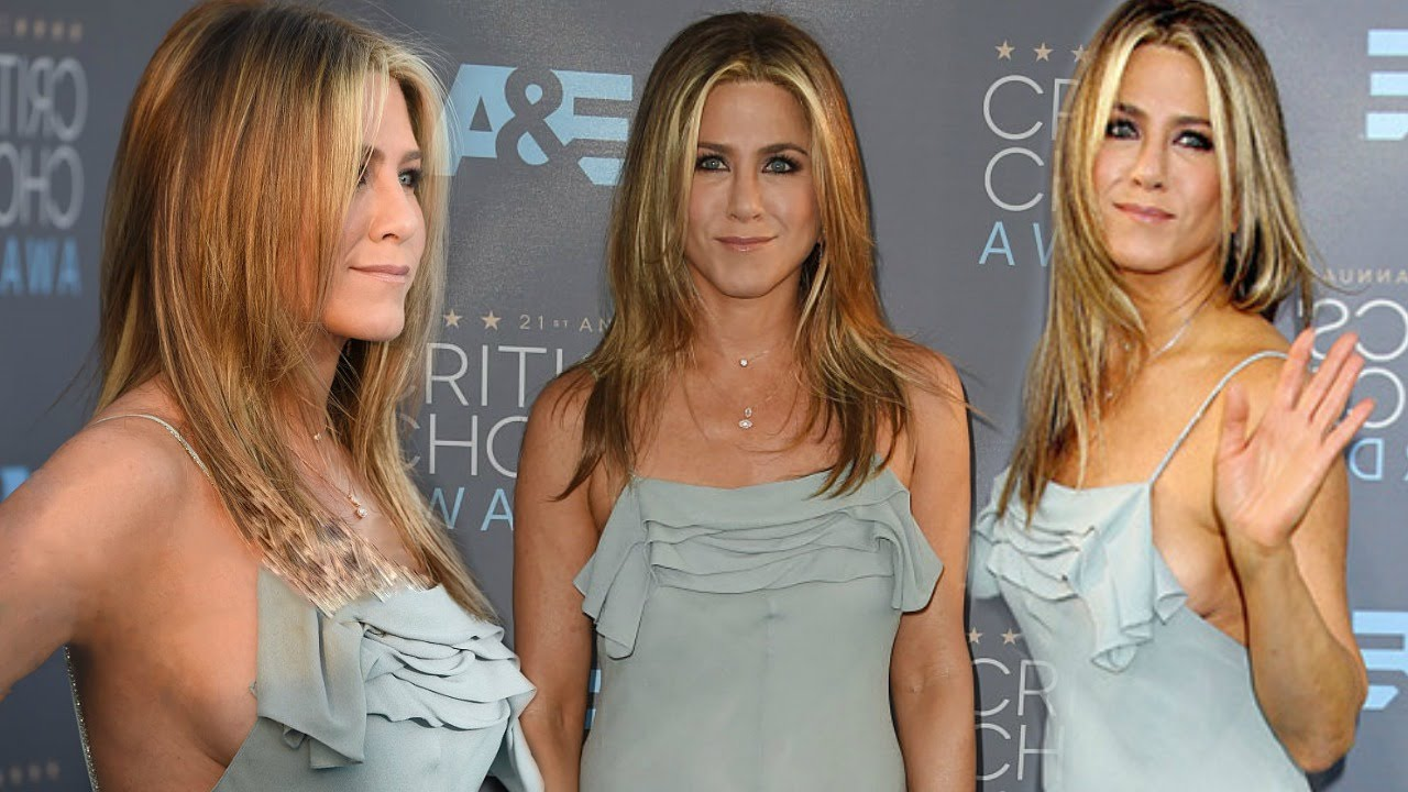 Jennifer aniston side boob