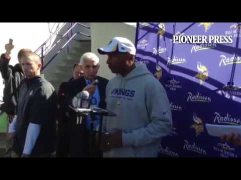 #Vikings coach Leslie Frazier on his talk today with QBs Christian Ponder and Matt Cassel about Josh