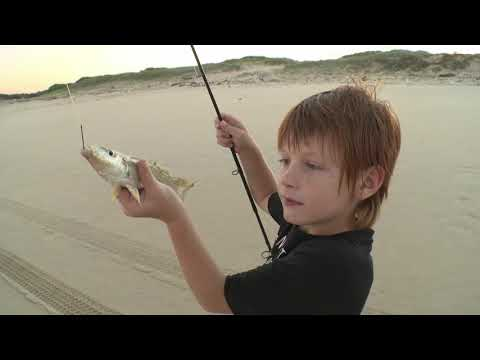 EP 14 - South West Rocks & Rolls | ESCAPE FISHING WITH ET