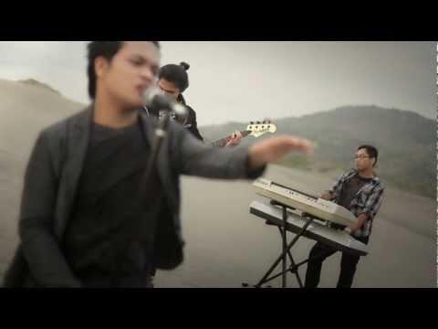 DIVAND - Hanya Ingin Kau Mengerti (Official Video)