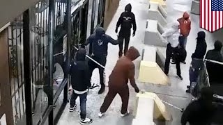 Texas gun store robbery: thieves use truck and chain to rip off shop door - TomoNews