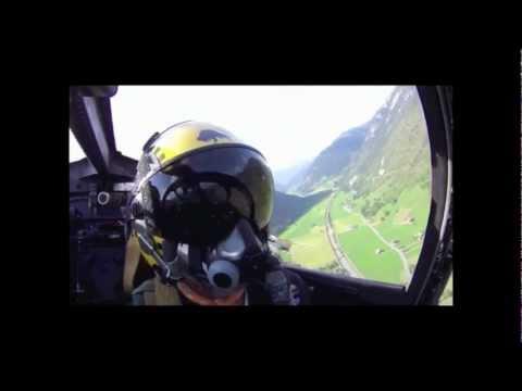 Zweiter Teil - Hunterflug über den Berner Alpen - Cockpit Sicht