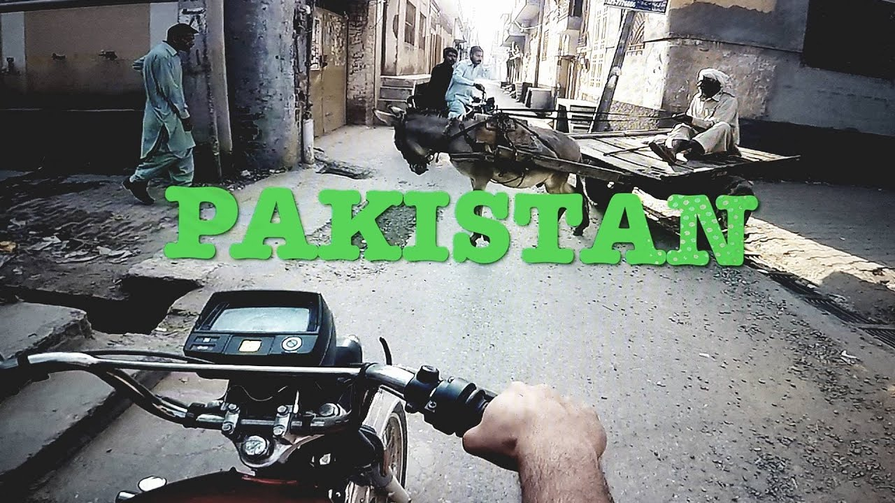Pakistan Travel Vlog 2 | STREET CRICKET, BADMINTON